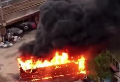 Bus Terbakar di Mangga Dua Jakut