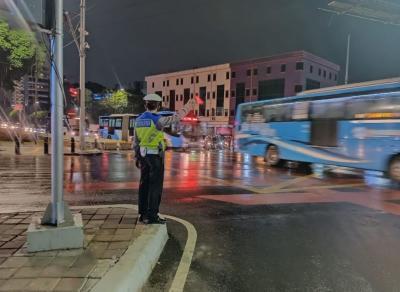 Usai Diguyur Hujan, Lalin Jakarta Lancar Jaya