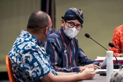 Sandiaga Uno Dukung Pengembangan Wisata Alam dan Budaya di Sumatera Barat