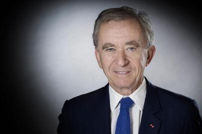 Kisah Bernard Arnault, Miliarder Barang Mewah Berharta Rp2.489 Triliun