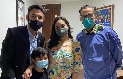 Buktikan Mimpi Kehadiran Ayahnya, Raffi Ahmad dan Nagita Slavina Sambangi Dokter Kandungan