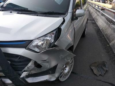 Kecelakaan di Jalan Gatot Subroto, 2 Kendaraan Ringsek
