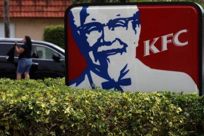 Karyawan Demo soal Gaji dan THR, Ini Penjelasan KFC