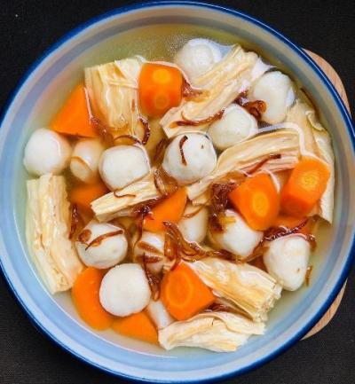 Lezatnya Sop Kembang Tahu Bakso Ikan, Cocok untuk Menu Sahur