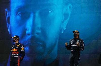 Hamilton Nantikan Duel Sengit dengan Verstappen di F1 2021