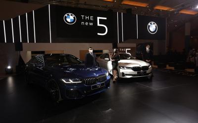 Hadir di IIMS Hybrid 2021, BMW The New 5 Tampil untuk Pertama Kalinya
