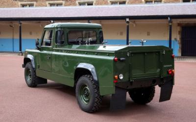 Jenazah Pangeran Philip Akan Dibawa dengan Land Rover Rancangannya Sendiri