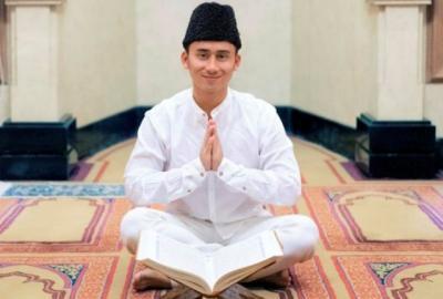 Alshad Ahmad Makin Ganteng Pakai Baju Koko, Bikin Adem Dilihatnya