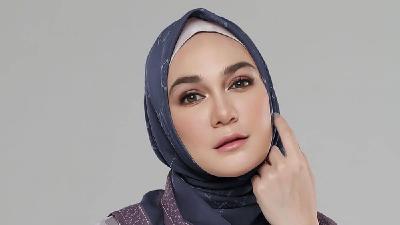 5 Penampilan Luna Maya Pakai Hijab Bikin Adem, Netizen: Masya Allah Cantiknya!