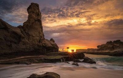 Cara Berwisata di Pantai Klayar dan Menikmati Aneka Spot-Spot Instagramable