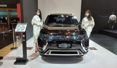 Mitsubishi Outlander PHEV Obral Diskon hingga Rp421,7 Juta di IIMS Hybrid 2021