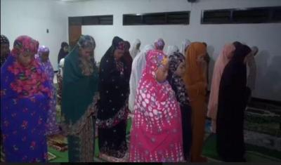 Di Musala Ini Imam Sholat dan Seluruh Jamaahnya Perempuan