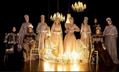 Fashion Show saat Ramadhan, Ayu Dyah Andari Lahirkan Koleksi Bergaya Victorian nan Mewah