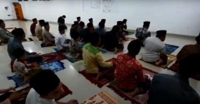 Viral Tarawih Kilat, Bimas Islam: Ibadah Sholat Harus Diresapi