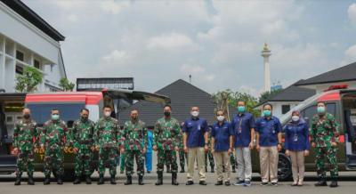 Perangi Covid-19, TNI AD Terima 2 Ambulans Mini ICU