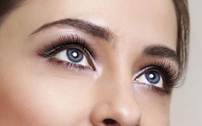Makin Digemari, Sulam Alis Permudah Kita Pakai Makeup