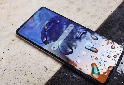 Galaxy A72, Ponsel Samsung Kelas Menengah yang Tahan Air