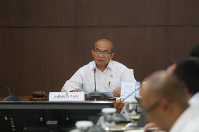 Malaysia Usir 40 Ribu Pekerja Migran Indonesia Secara Mendadak, Menko PMK Kecewa