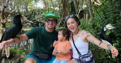 Berikan Kode, Poppy Sovia Dikabarkan Hamil Anak Kedua