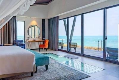Ngebet ke Luar Negeri? Tahan, di Anyer Ada Villa Terapung Mirip Maldives