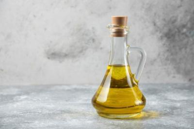 7 Jenis Minyak Esensial yang Ampuh Obati Ruam Kulit