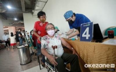 Ini Tantangan yang Muncul Terkait Vaksinasi Covid-19 untuk Lansia