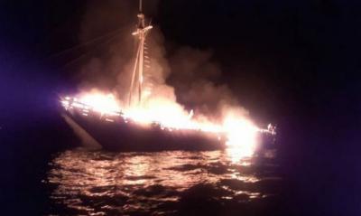 Kapal Wisata Terbakar di Selat Buton, Ada Korban Warga Amerika