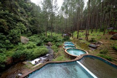 Nikmati Wisata Alam Kampung Ciherang Sumedang, Perhatikan 5 Hal Ini