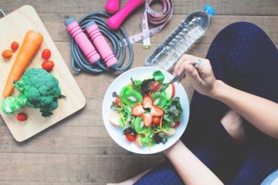 Makan Sahur Sampai 2 Piring, Ini Bahayanya Menurut Dokter Nadia Alaydrus