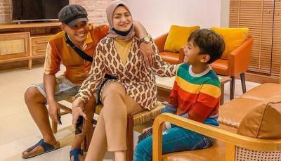 Kisah Nathalie Holscher Jadi Mualaf, Mendengar Suara Masjid yang Bergema