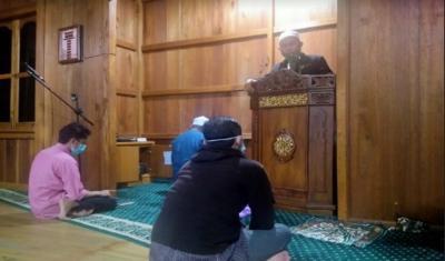 Bolehkah Perempuan Sholat Tarawih di Masjid?