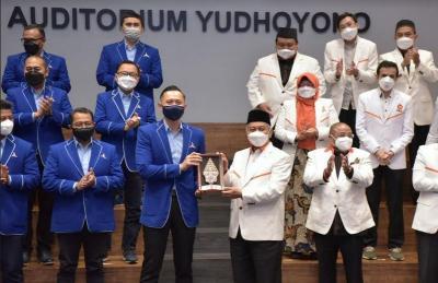 Bertemu AHY, Presiden PKS Tegaskan Tolak Terorisme dan Penistaan Agama