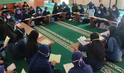 Lantunan Ayat Suci Al-Quran Mengalun Indah dari Lapas Perempuan di Malang