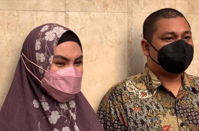 Habib Usman Positif Covid-19, Kartika Putri Menangis Ceritakan Kondisinya