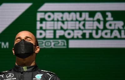 Gegara Verstappen dan Bottas, Hamilton Kesusahan di F1 GP Portugal 2021