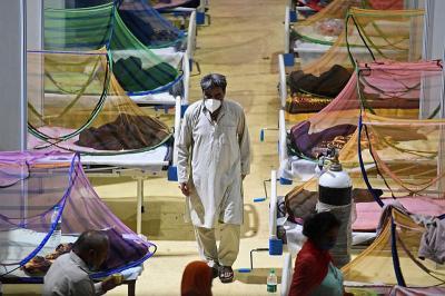 Cetak Rekor Kematian Covid-19, Miliarder India Desak Lockdown