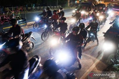 Pemudik Sepeda Motor Mulai Padati Jalur Arteri Pantura Jawa