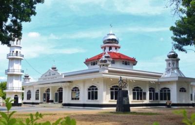 Masjid Agung Sholihin Jadi Objek Wisata Religi dan Pusat Kajian Islam