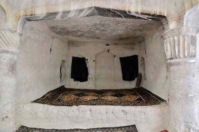5 Fakta Menarik Masjid Kuno di Bawah Tanah, Dipercaya Dihuni Roh Baik
