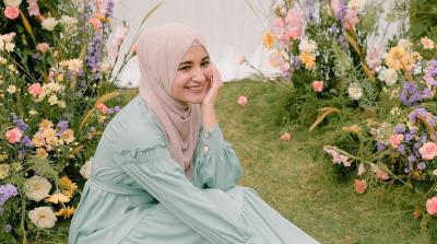 5 Inspirasi Gaya Hijab Shireen Sungkar Cocok untuk OOTD Lebaran