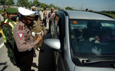 Viral Buruh Protes Penyekatan Tol Cikampek, Begini Respons Jasa Marga