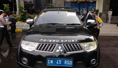 "Polisi: Pengemudi Mobil ""Kekaisaran Sunda Nusantara"" Alami Gangguan Psikis"