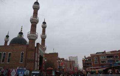 Geliat Pusat Wisata Kuliner dan Suvenir Muslim Uighur China