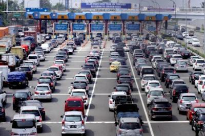 Hari Pertama Larangan Mudik, 84 Ribu Kendaraan Tinggalkan Jakarta