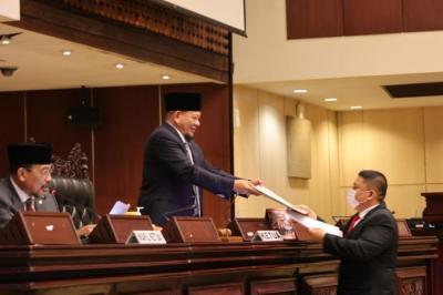 Sahkan Pansus, LaNyalla Tegaskan DPD Siap Perjuangkan Nasib Guru Honorer