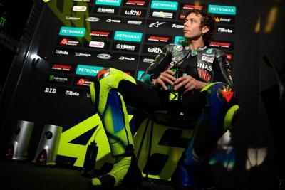Agostini Geregetan Lihat Valentino Rossi yang Tak Kunjung Pensiun