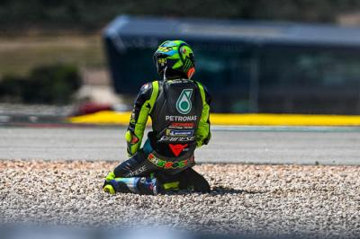 Disebut Lambat oleh Lorenzo, Valentino Rossi Kapan Pensiun?