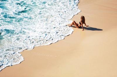 Larang Perempuan Telanjang Dada di Pantai, Kota Ini Malah Diprotes