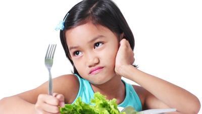 Si Kecil Benci Makan Sayur? Coba Cara Jitu Ini Yuk Bunda!