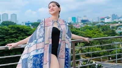 Seksinya Marissa Brigitta Berbaju Renang, Adik Celine Evangelista Bikin Netizen Gagal Fokus